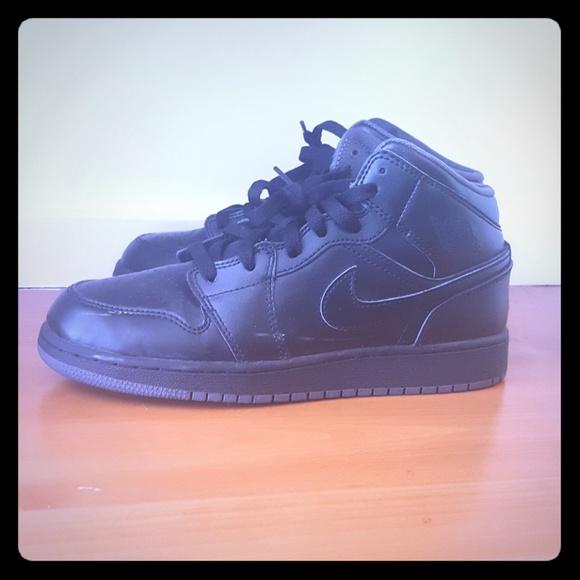 wholesale dealer c095b e7c3c Boys Nike Air Jordan 1 Mid BG Black Gray Sneakers.  M 5afb0682a44dbe6fb1956bd9